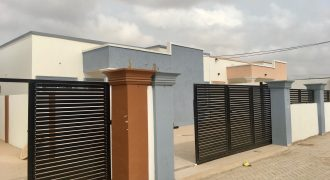 3 BEDROOM HOUSE FOR SALE AT BAATSONA SPINTEX
