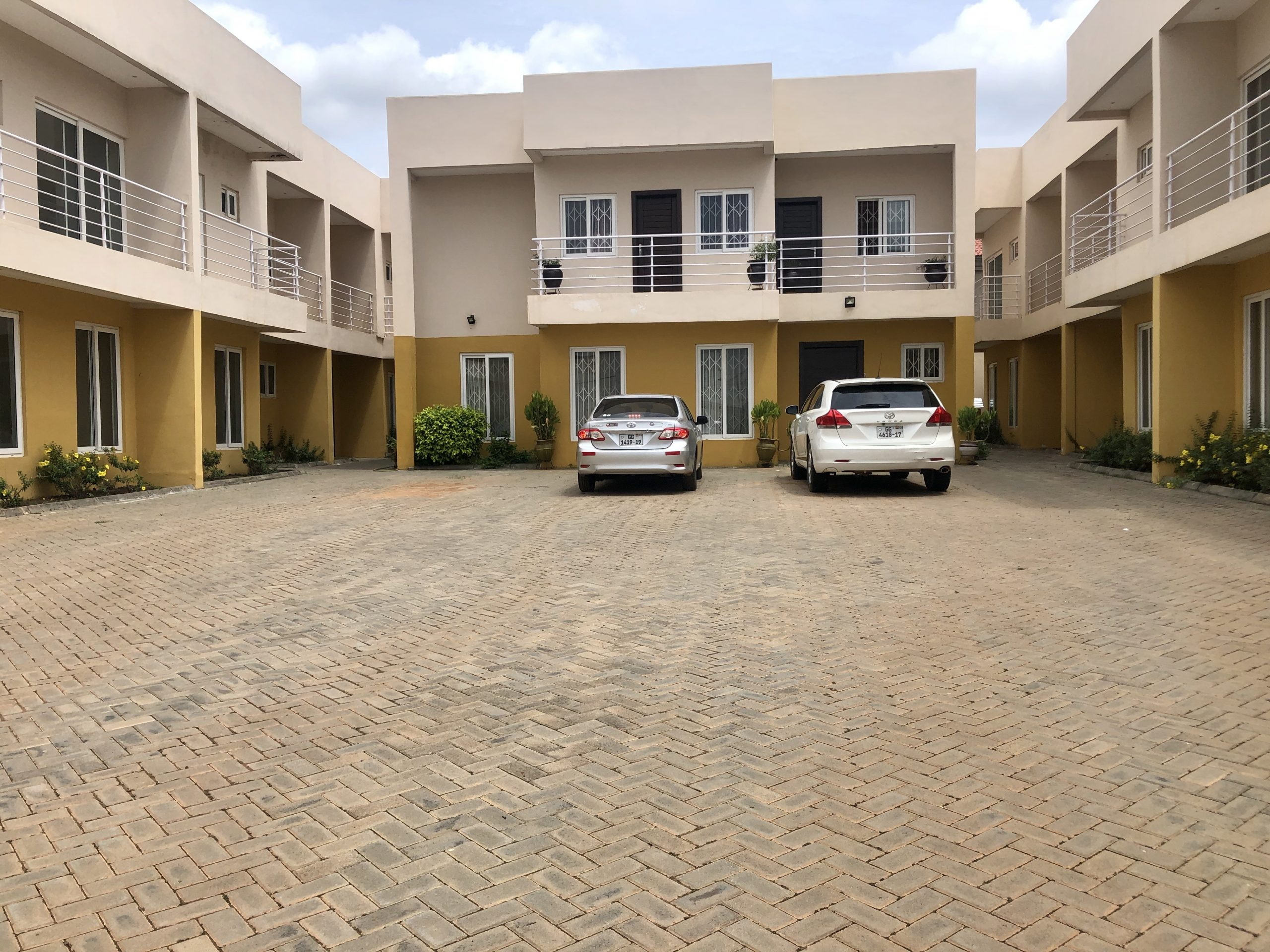 4 Bedroom Townhouse For Sale In East Airport, Accra