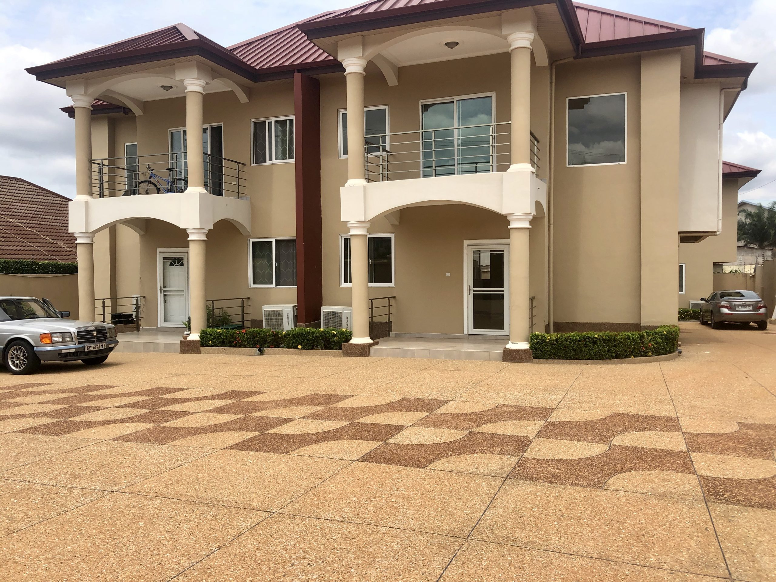 2 Bedroom Apartment For Rent in East Airport, Accra