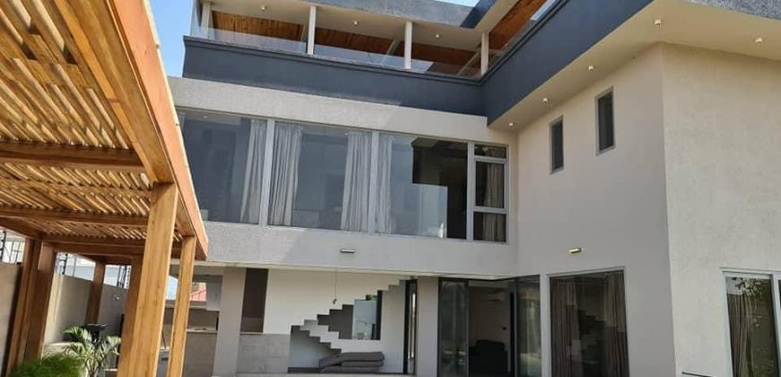 9 BEDROOMS HOUSE FOR SALE IN EAST AIRPORT, ACCRA