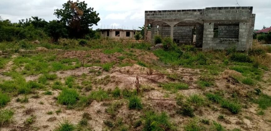 UNCOMPLETED HOUSE FOR SALE IN OYIBI